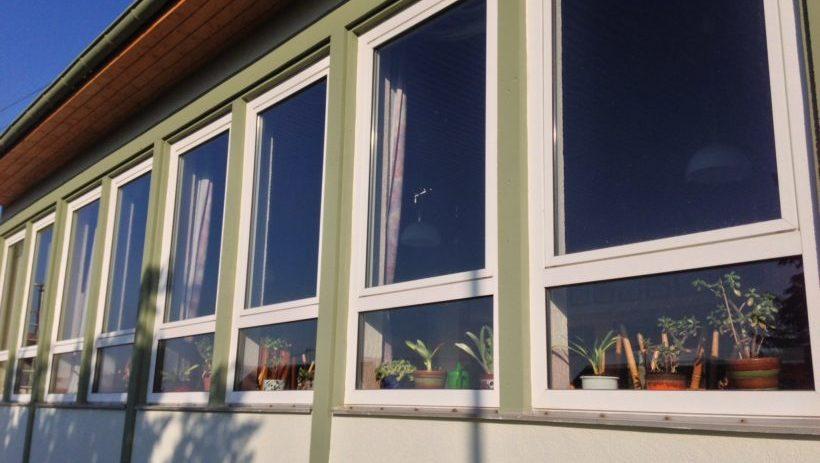 Gemeinschaftshaus Schmißberg: Fenster werden geputzt